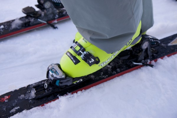 How to Keep Your Feet Warm While Skiing